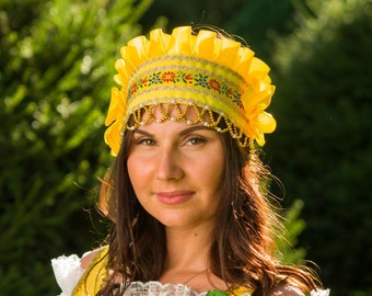 "Russian traditional headwear ""Kichka"", Russian traditional hat, Woman headdress, Russian headwear, Beading silk headwear"