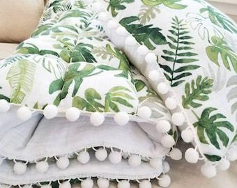 Modern Nursery Bedding - Tropical Leaf Quilt, Banana leaf Quilt,Bubble Quilt, Botanical Nursery, Boho-Chic Nursery, Baby Crib Quilt