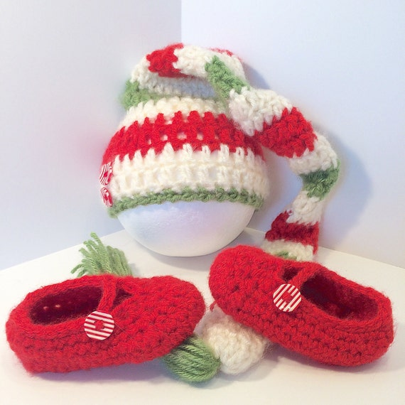 dc2af499a64 Christmas baby hat and shoes Baby elf hat newborn elf hat