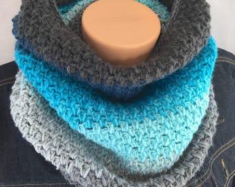 Crochet cowl scarf, women's infinity scarf, blue infinity scarf, women blue cowl, circle scarf, lightweight scarf, knit infinity scarf