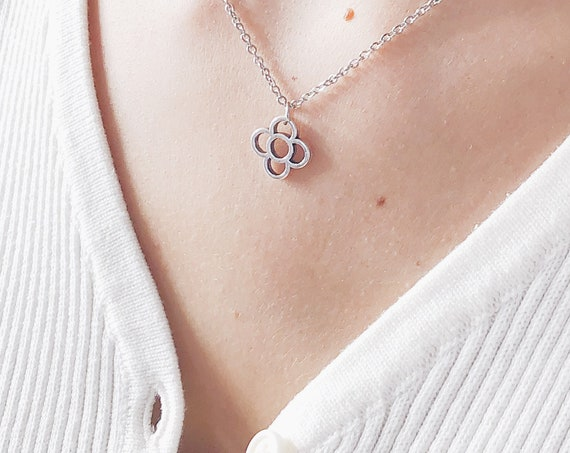 Silver flower necklace, panot pendant, panot BARCELONA necklace,
