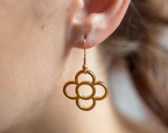 Golden panot flower earrings,  loops, Barcelona panot earrings, flower earrings, long earrings, light earrings