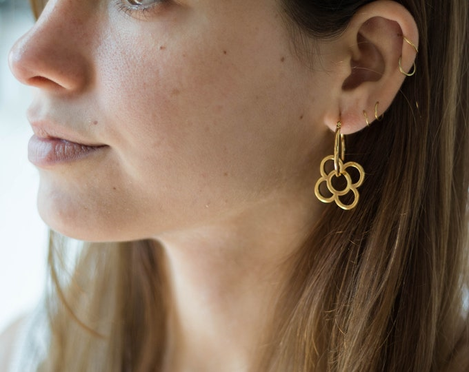 Featured listing image: Diana Hoops Gold