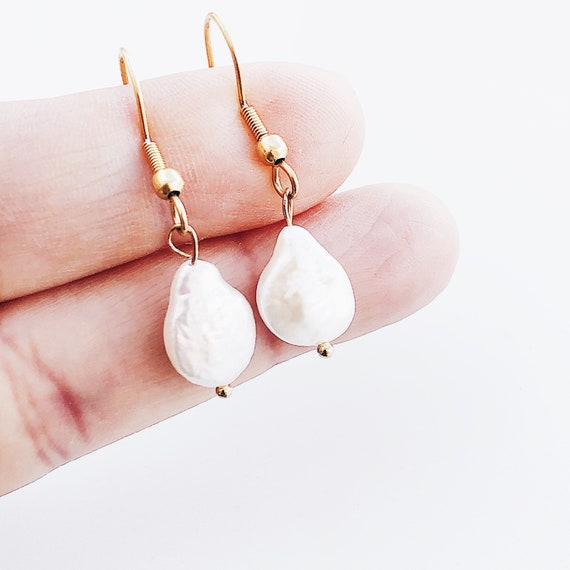 Pearl earring, wending earrings, elegant earrings,natural pearl dangle earrings, vintage wedding, bridal earrings