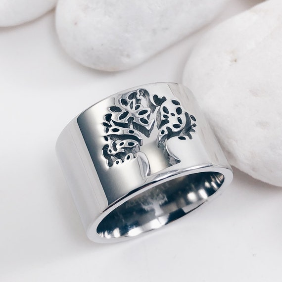 big  ring, golden dainty ring, band ring, tree of life jewel, filigree ring, engraved ring, wide ring, celtic wedding jewel,