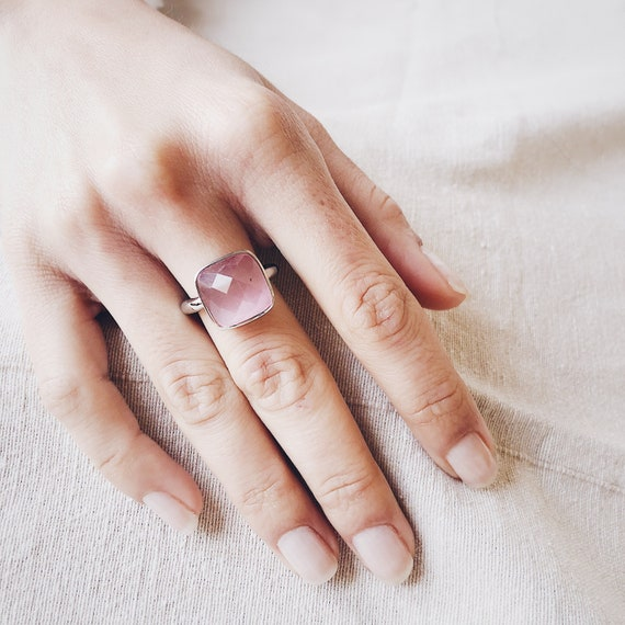 rose quartz stone ring, woman ring, midi ring, quartz ring, pink quartz ring, blue quartz ring, natural stones ring, daisy ring