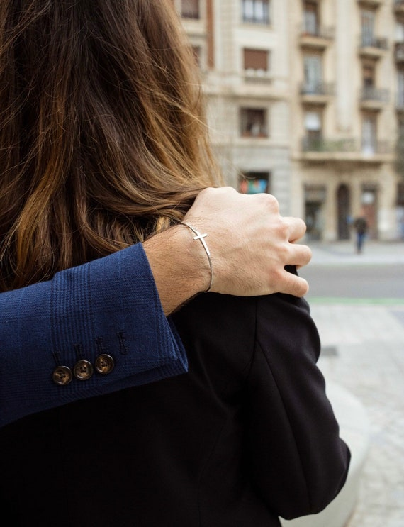 fine bracelet, cross bracelet, silver bracelet, minimalist bracelet, woman's gift, first communion bracelet, cross slave, silver slave