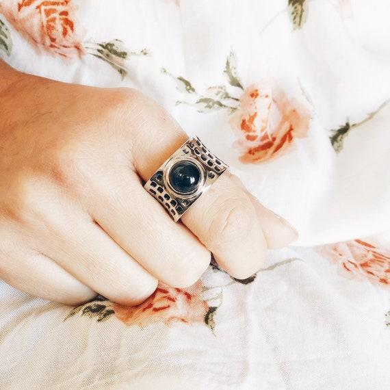 Más ancha elegante anillo señora dedo anular anillo trenzada joyas nuevo