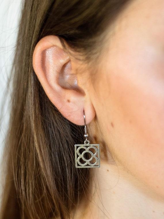 panot earrings Barcelona, woman earrings, Barcelona earrings, flower earrings, woman earrings flower, Barcelona gift earrings