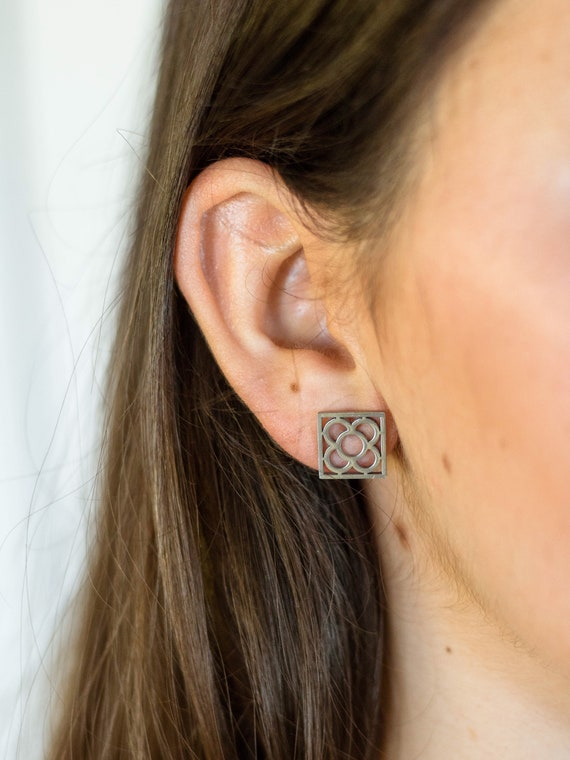 Pave flower stud earring, Barcelona flower earrings, dainty earring, Barcelona souvenir, flower earrings, Barcelona tile earrings, square