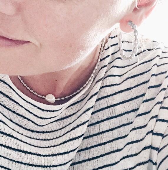 pearl choker, minimalist necklace, boho, stainless steel chain, flexible necklace, pearl necklace, geometric necklace, pearl necklace