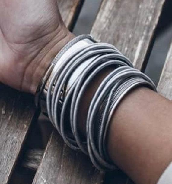 springy metal bangle, guitar string bangle bracelet, metal expandable bracelet, minimalist stackable bracelet, stainless steel bracelet.