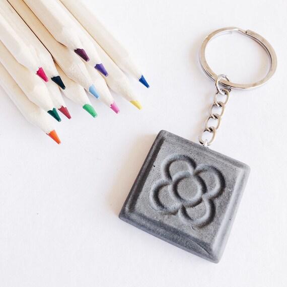 Barcelona keychain, panot pendant keychain, ceramic keychain, tile pendant, flor de Barcelona keychain, Barcelona gift