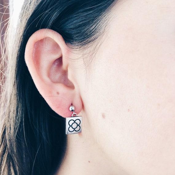 Barcelona earrings, nickel-free stainless steel earrings, silver woman earrings, Barcelona flower earrings, Barcelona souvenir