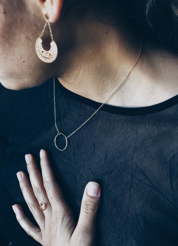 silver circle pendant, women circle minimalist style pendant, sterling silver jewelry, minimalist chain, minimalist jewel