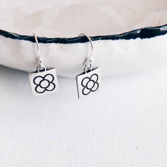 earrings sterling silver flower of Barcelona, earrings silver flower panot, earrings Barcelona, gift Barcelona, gift jewel Barcelona