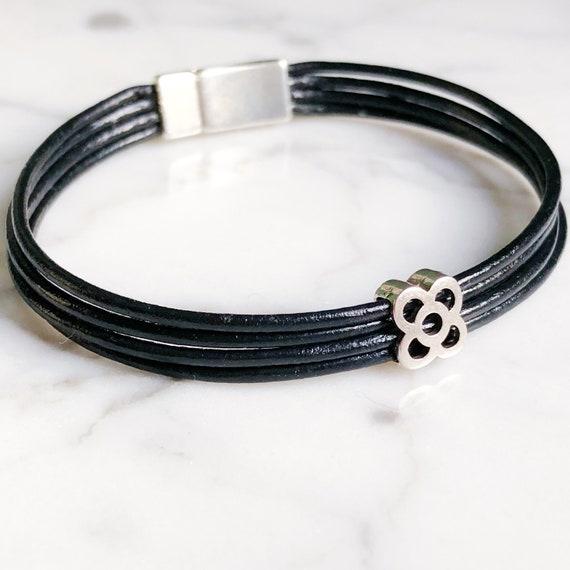 leather bracelet, flower bracelet from Barcelona, panot bracelet Barcelona, bracelet Barcelona, souvenir from Barcelona, silver Barcelona