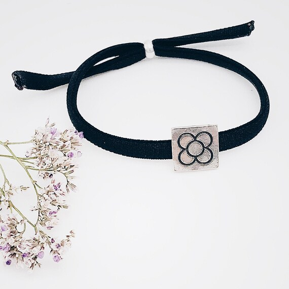 Barcelona flower bracelet, tile panot, modernist Barcelona gift, personalized elastic bracelet, Barcelona jewelry, women bangle