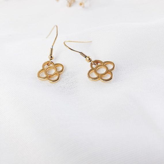 flower golden earrings, Long stainless steel earrings, Women's light earrings, Nickel free earrings, Barcelona panot flower pendant