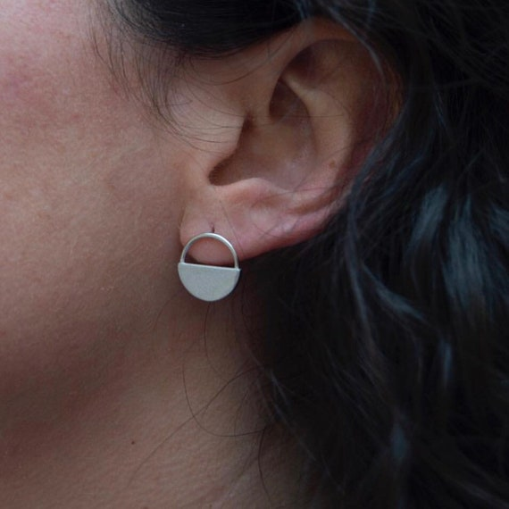 minimalist earrings, silver earrings, medium earrings, sterling silver earrings, minimalist jewel, circle earrings
