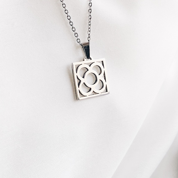 Barcelona tile silver necklace, Barcelona flower pendant, silver chain flower pendant, gift for her, flower pendant, flower silver chain