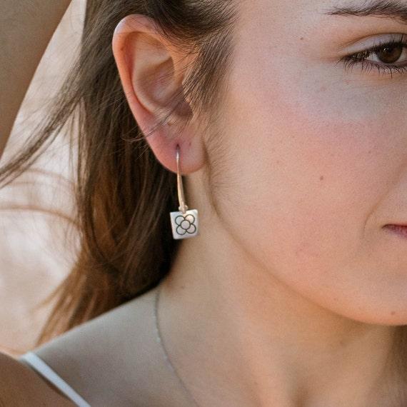 silver earrings, long women's earrings, Barcelona flower earrings, women's gift earrings, panot earrings Barcelona