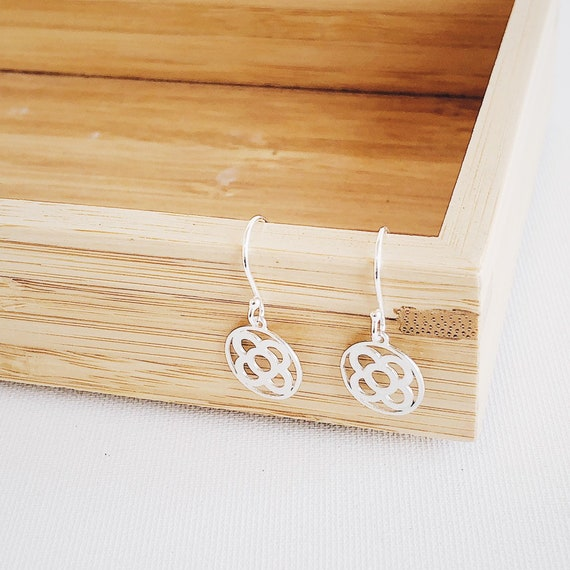 Barcelona earrings, Barcelona panot earrings, Barcelona gift, Barcelona jewel, Barcelona light earrings, silver earrings, flower earrings