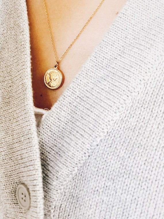 Coin golden necklace, Large coin medaillon, Gold Coin, dainty medallion necklace, gold disk necklace, ancient relic style necklace,vintage