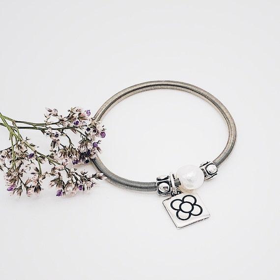 pearl bracelet, natural pearl bracelet, flexible bracelet, elastic bracelet, women's gift, bracelet gift, women's bracelet gift