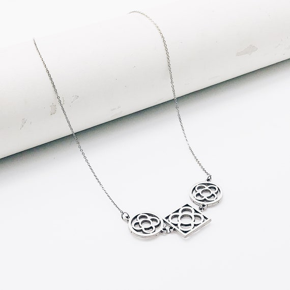 women's fine necklace, women's chain, minimalist necklace, elegant necklace, midi necklace, handmade necklace, fine chain, fine chain