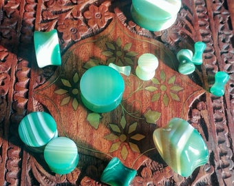 Pair of Green Agate Stone Plugs / Gauges For Stretched Ears (25mm, 22mm, 19mm, 16mm, 14mm, 12mm, 10mm, 8mm, 6mm, 5mm, 4mm, 3mm)
