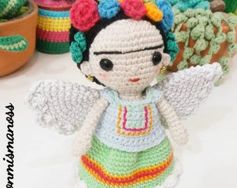 DOLL WITH WINGS. Amigurumi Pattern in pdf.