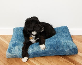 Indigo Pet Bed // Medium