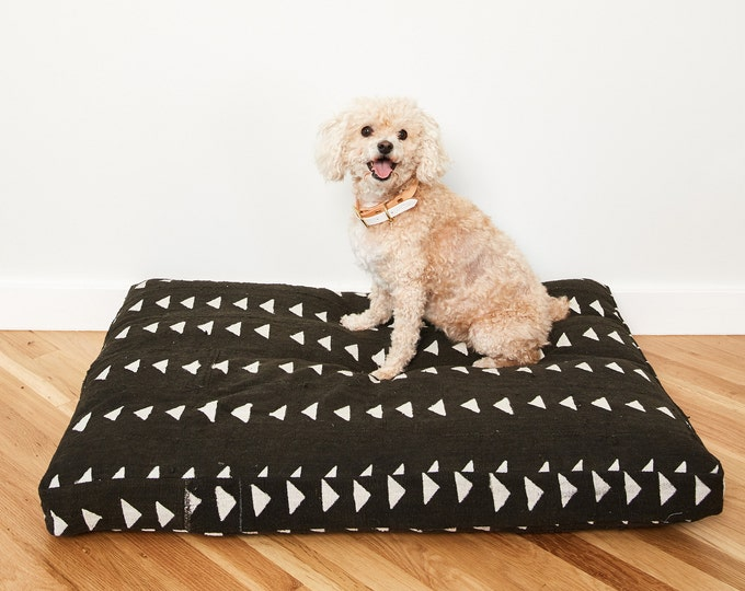 Black and White Mudcloth Dog Bed // Medium