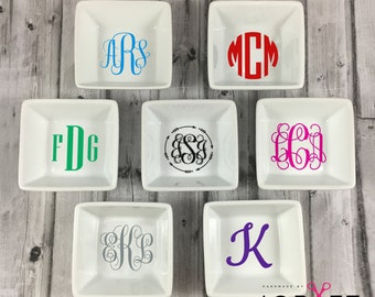 Personalized Ring Dish-Monogram-Bridal Party Gift-Teacher Gift-Engagement Gift-Newlywed-Trinket dish-Gift For Her-Ring Holder-Jewelry Holder