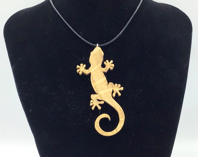 Lizard / Gecko necklace - Wooden pendant necklace - Handmade Oak wood reptile - Festive Christmas gift idea for lizard lovers everywhere