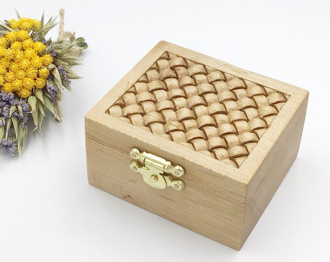 Ring Box - Hand carved 'Rope Weave' pattern on lid - Wooden Box & jute cord inlay - hand carved presentation gift box for that special ring