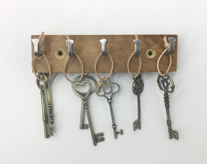 Micro Key rack only 16cm wide - Small Space 5 hook Oak wall rack - Stylish Oak Wall mounted key hooks - Sustainable Oak & strong metal hooks