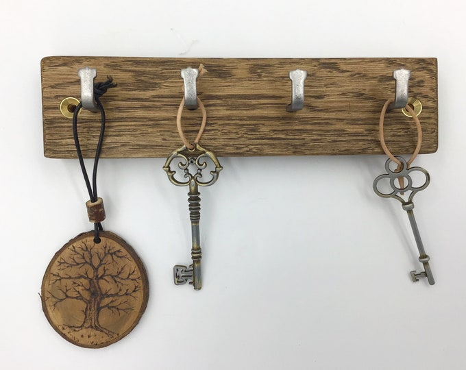 4 hook Dark Oak wood wall mounted key rack - Natural Oak wall rack - Sustainable wooden decor - Strong metal hooks - Antique Oak wood stain