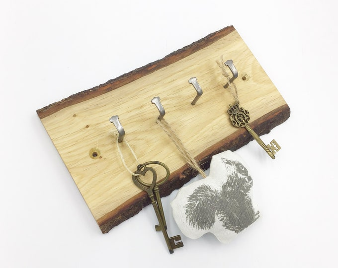 Key Rack - Live edge oak - Wall mounted key rack - 4 hooks - Solid Oak - Live edge branch wood with bark - Woodland home decor for keys