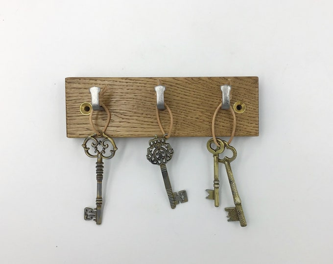 Dark Oak Key Rack - 3 hook wall mounted - 16cm wide - Natural sustainably-sourced Oak wood stained with Osmo antique Oak rustic wood finish