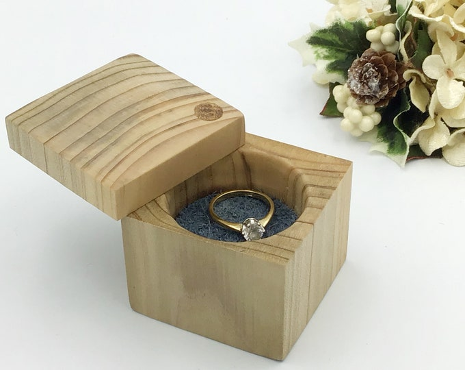 Ring box - Stripey wood ring box - Engagement ring holder - Classic / Luxury Ring presentation box from spalted Ash wood - Unique Special