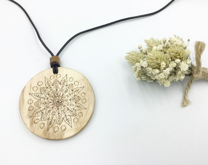 Mandala pendant - Wooden 6cm pendant necklace - Handmade Pyrography / Wood Burning on Sustainable wood - circle mandala spiritual connection