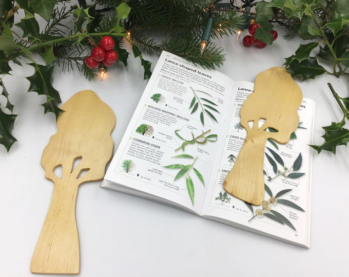 Tree Bookmark - Natural wooden Book Mark shaped like a tree - Novelty Unique Book lover gift - Made in UK from sustainable wood - Christmas