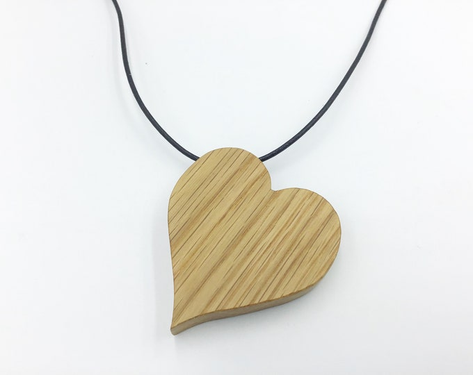 Oak heart necklace - Wooden love heart pendant necklace - Handmade Oak pendant - Valentine gift for her - Wooden Valentine love heart