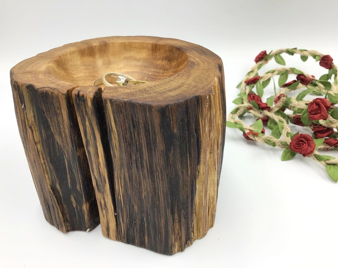 Hand carved ring dish. Natural oak wood display dish. Heirloom jewellery or trinket bowl. Wooden gift for her this Christmas. Ancient Oak.