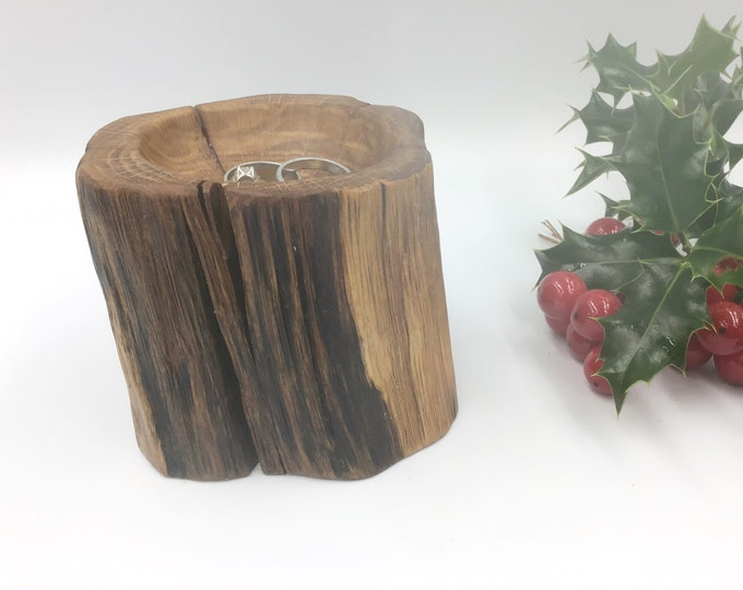 Oak Ring Bowl. Hand carved oak wood bowl. Bedside ring / trinket dish. Primitive Wooden bowl.  Christmas gift. Jewellery bowl / dish / tray.