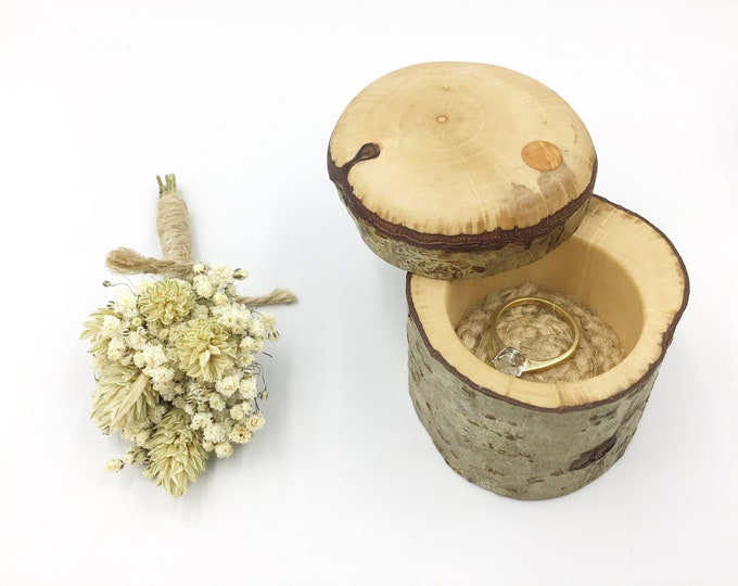 Ring box - Engagement ring display box - 'Will you marry me?' presentation box - Natural hazel proposal ring box - Wooden Sustainable eco