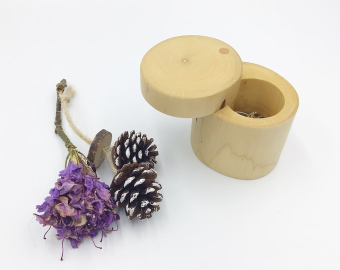 Ring box - Storage for rings and trinkets - Jewellery box - Natural Hazel proposal box - Ring Holder - Wooden ring box - Sustainable eco