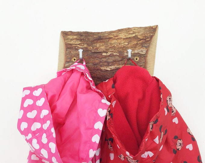 Coat rack - Solid Oak coat pegs - Wall mounted - Live edge - Hooks on natural wood - For keys, coats, school bags - Modern rustic wall rack